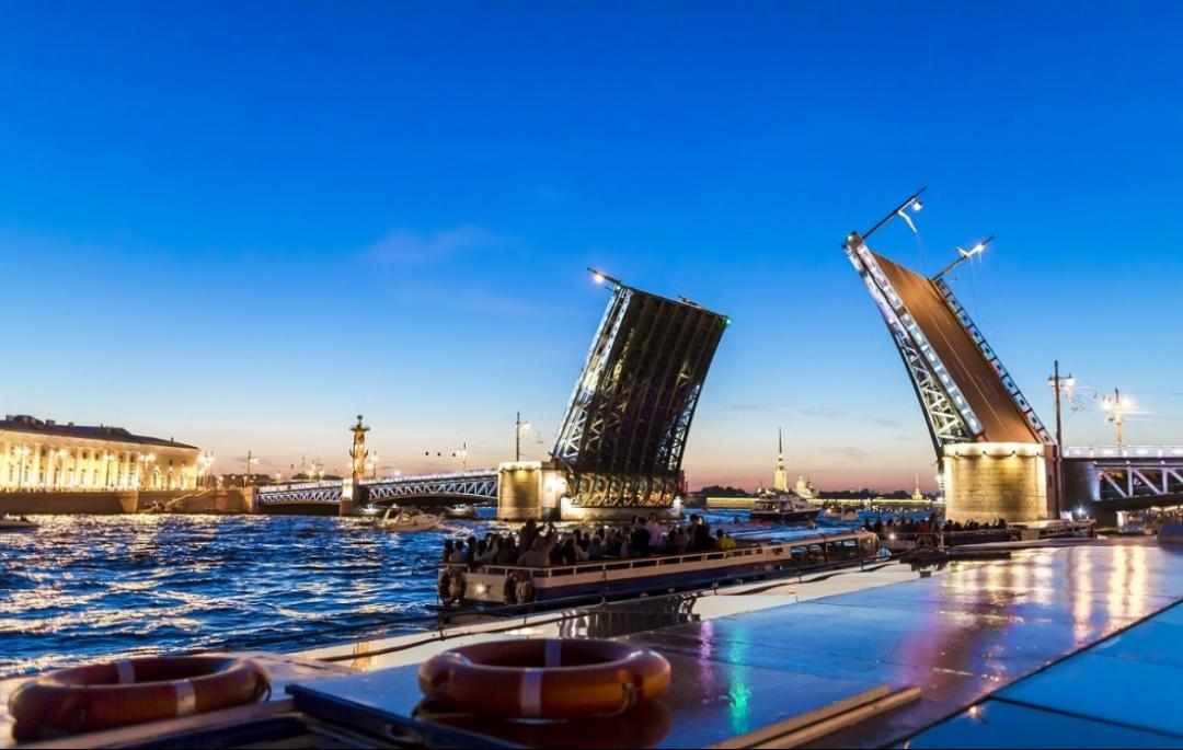 جاذبه های دیدنی روسیه پل های سنت پترزبورگ